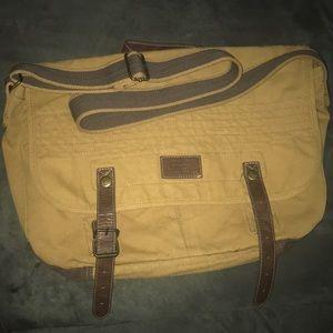 24 HR ONLY FLASH SALE!!AmericanEagle messenger bag